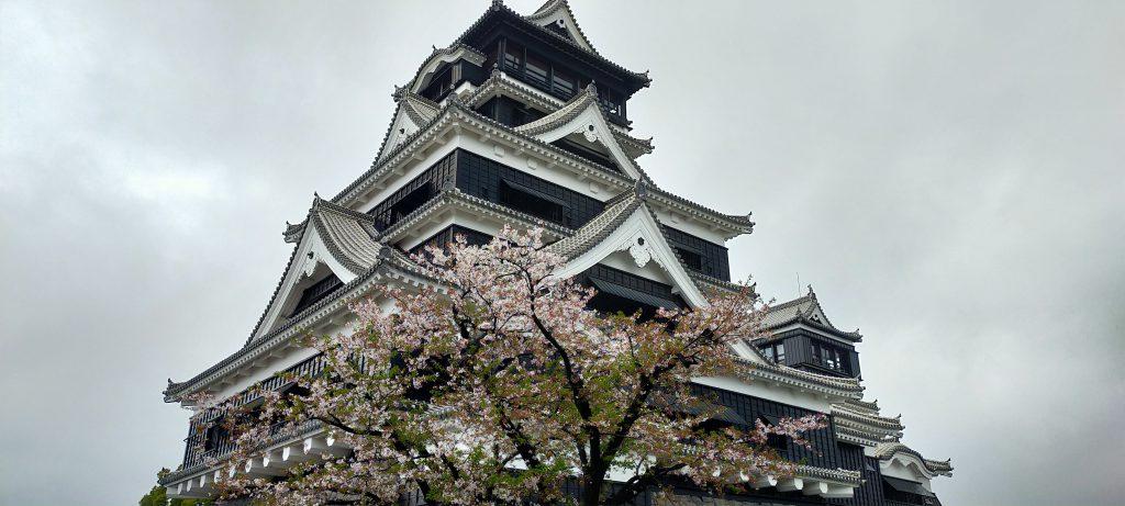 春の熊本城